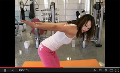 上腕三頭筋に効く体操の画像