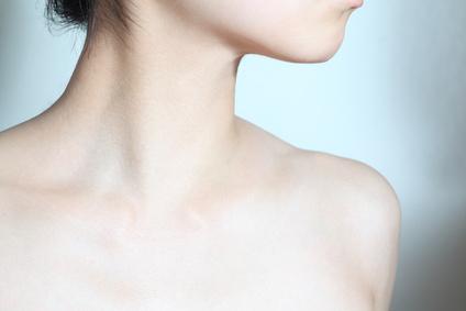 広頚筋と首の画像