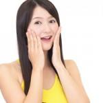 顔のたるみをグン!と解消する6つのエクササイズ|動画あり