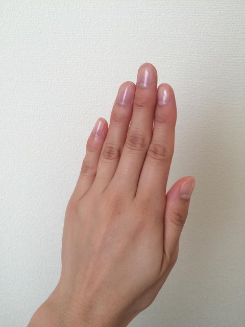 手の爪の画像