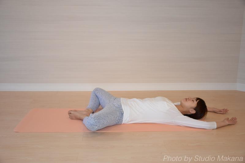 大腰筋を活性化させる姿勢の画像
