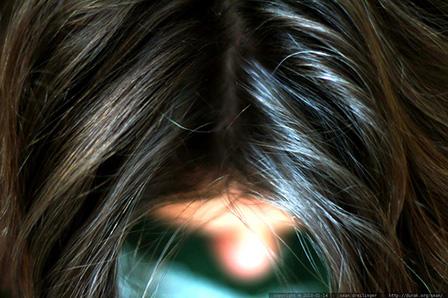 女性の頭皮・髪の画像