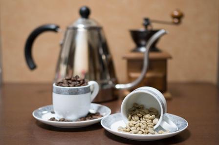 コーヒーと豆の画像