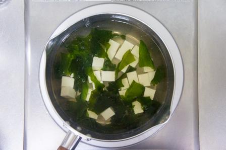 豆腐とわかめの画像