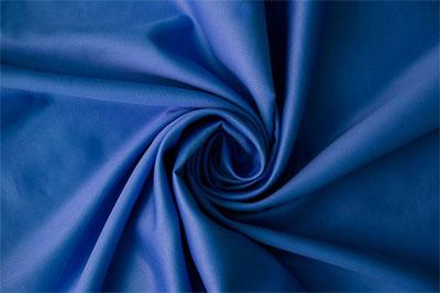 青いテーブルクロスの画像