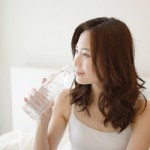 水を毎日飲むことで肌荒れが良くなる!その効果と摂り方