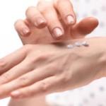 手の甲のシミをきれいにする!簡単美白ケアと予防方法