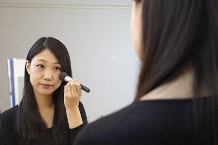 化粧直しの画像